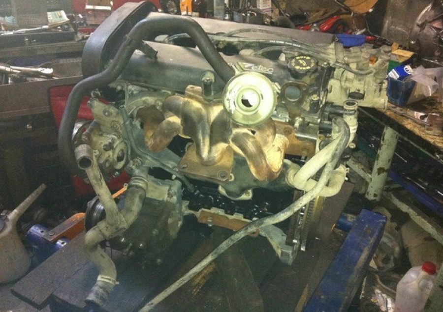 Замена поршневых колец на двигателе Zetec-E