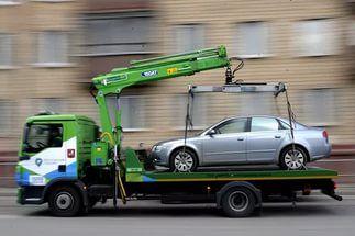 Автовладельцы и эвакуаторщики: кто кого?
