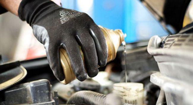 Как сменить тормозную жидкость в автомобиле