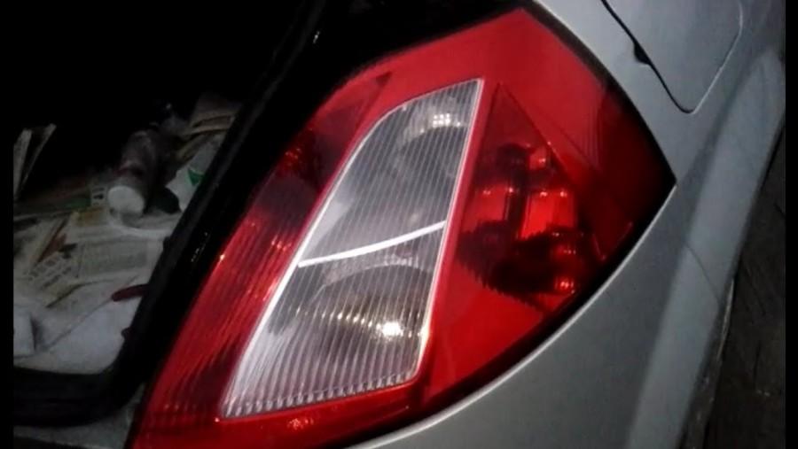 Замена лампочек заднего фонаря Renault Master 2
