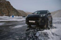 Посмотрите, вот он без страховки идет. Тест-драйв Kia Sportage Black Edition на Байкале
