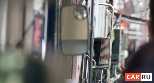 грузовик, зеркало