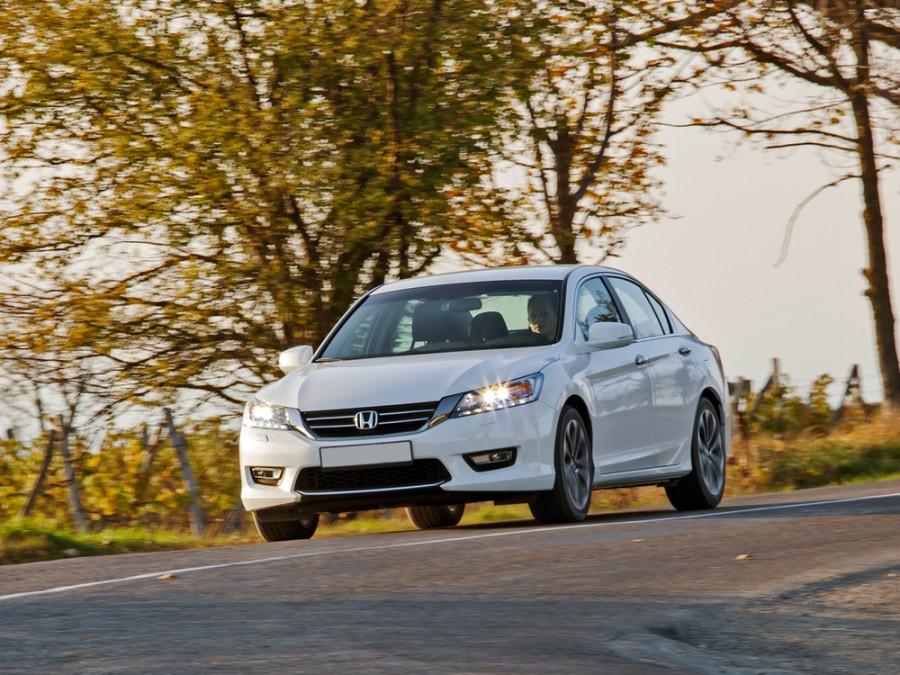 Honda Accord седан, 2012–2016, 9 поколение - отзывы, фото и характеристики на Car.ru