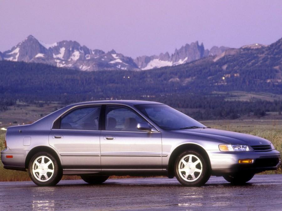 Honda Accord JP-spec седан 4-дв., 1993–1998, 5 поколение - отзывы, фото и характеристики на Car.ru