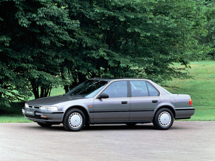 Honda Accord седан, 1990–1993, 4 поколение - отзывы, фото и характеристики на Car.ru