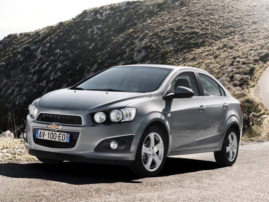 Chevrolet Aveo седан, 2012–2016, T300 - отзывы, фото и характеристики на Car.ru