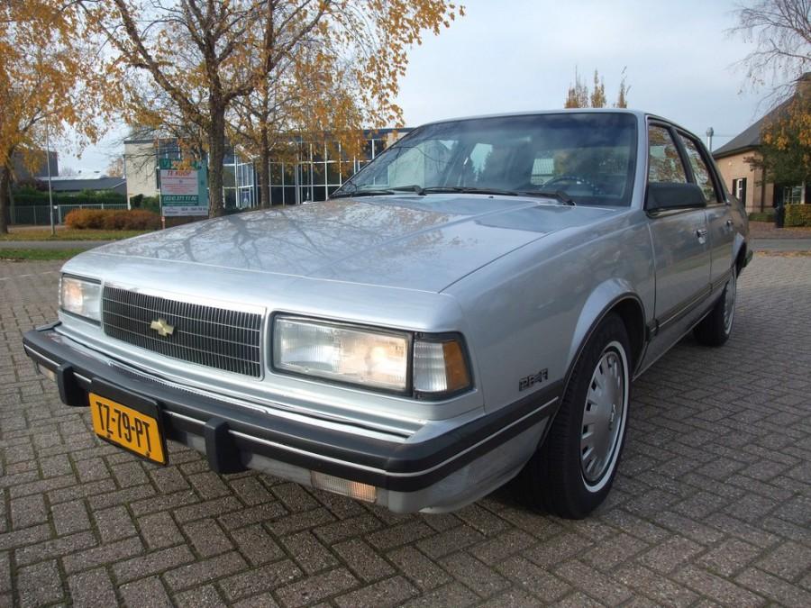 Chevrolet Celebrity седан 4-дв., 1987–1989, 1 поколение [3-й рестайлинг] - отзывы, фото и характеристики на Car.ru