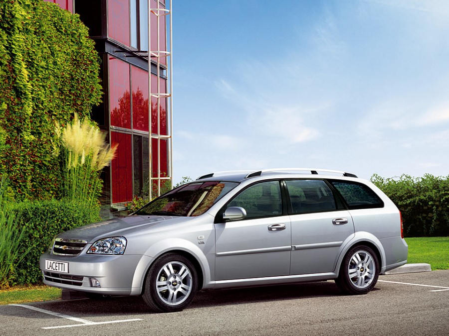 Chevrolet Lacetti универсал, 2004–2013, 1 поколение - отзывы, фото и характеристики на Car.ru