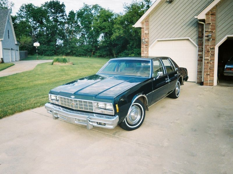 Chevrolet Impala седан, 1977, 6 поколение - отзывы, фото и характеристики на Car.ru