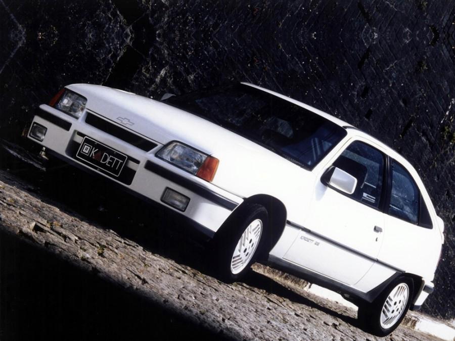 Chevrolet Kadett хетчбэк 3-дв., 1989–1996, 1 поколение - отзывы, фото и характеристики на Car.ru