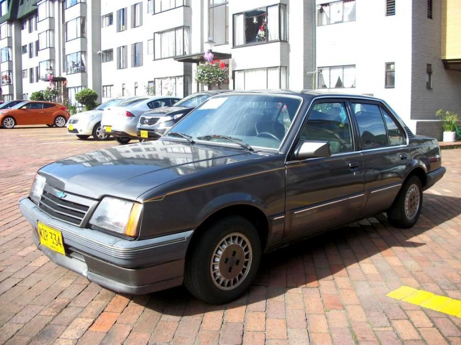 Chevrolet Monza седан 4-дв., 1983–1991, 2 поколение - отзывы, фото и характеристики на Car.ru