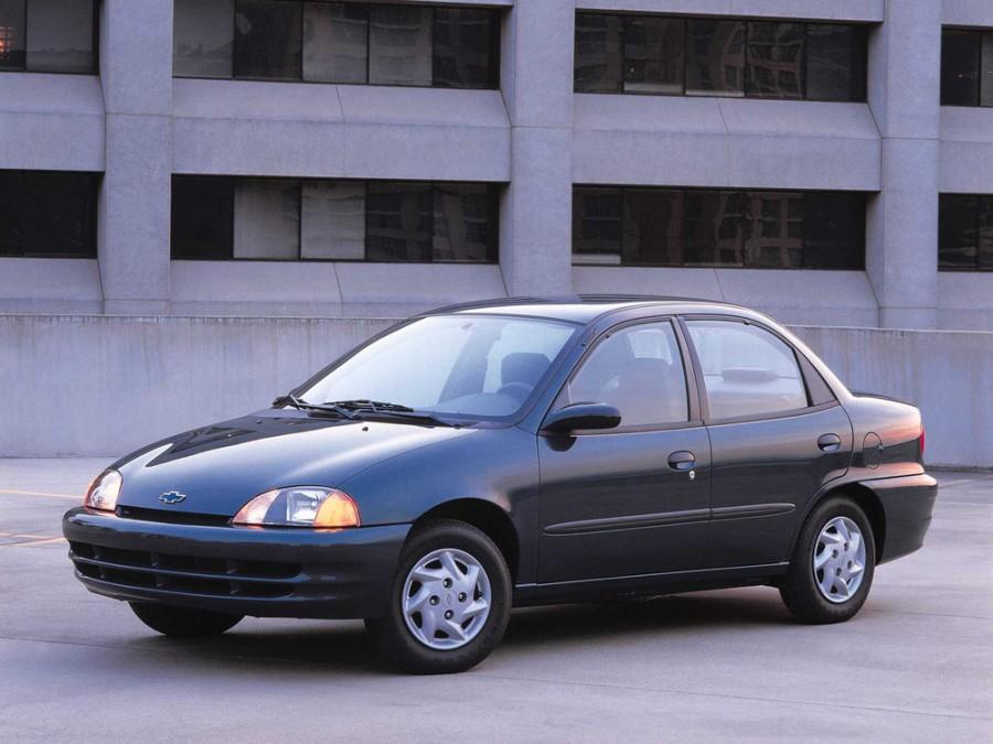 Chevrolet Metro седан, 1998–2001, 1 поколение - отзывы, фото и характеристики на Car.ru