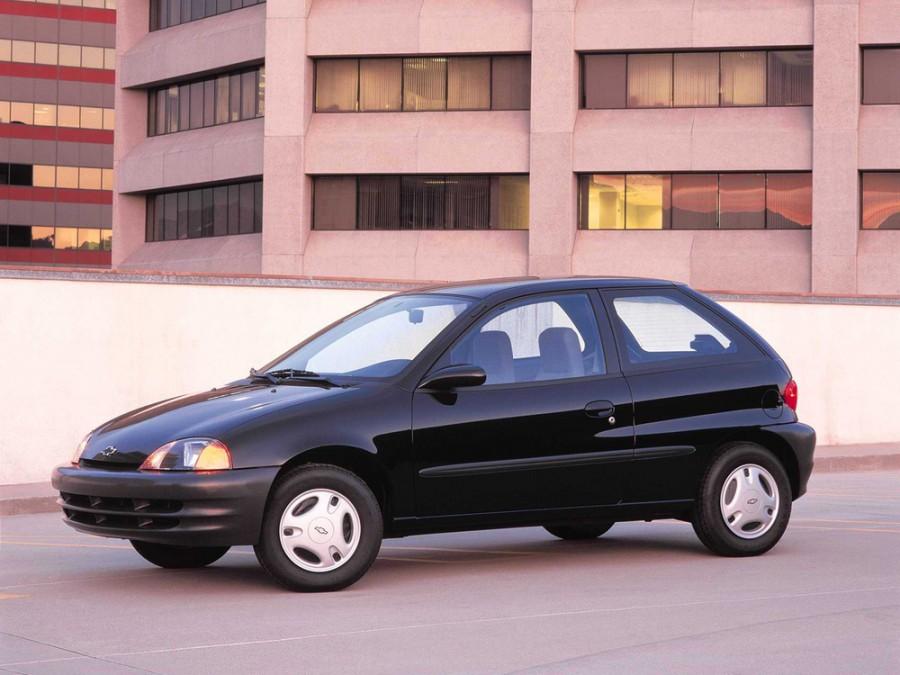 Chevrolet Metro хетчбэк, 1998–2001, 1 поколение - отзывы, фото и характеристики на Car.ru