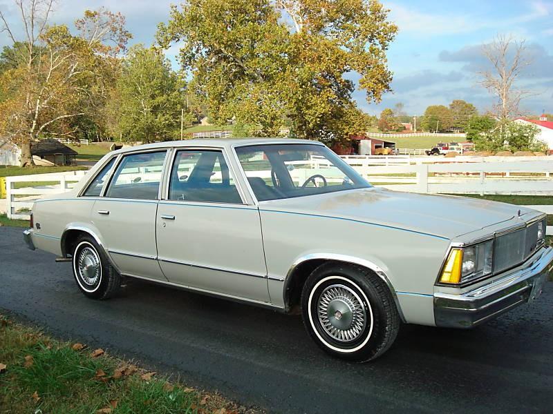 Chevrolet Malibu седан, 1980, 1 поколение [2-й рестайлинг] - отзывы, фото и характеристики на Car.ru