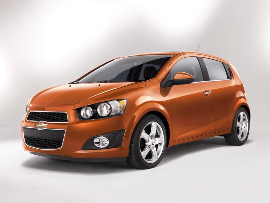 Chevrolet Sonic хетчбэк, 2011–2016, 1 поколение - отзывы, фото и характеристики на Car.ru