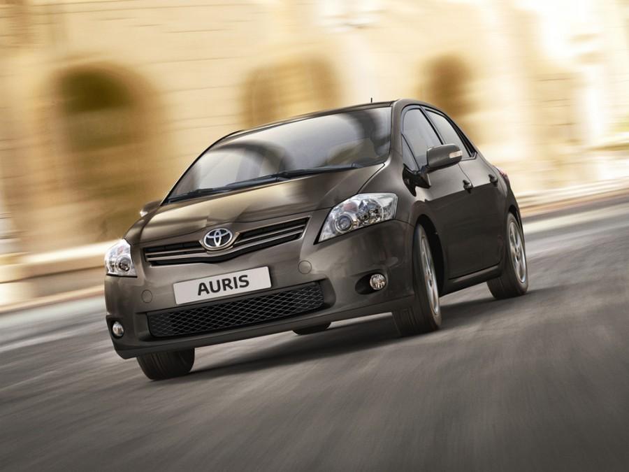 Toyota Auris хетчбэк 5-дв., 2010–2012, 1 поколение [рестайлинг] - отзывы, фото и характеристики на Car.ru