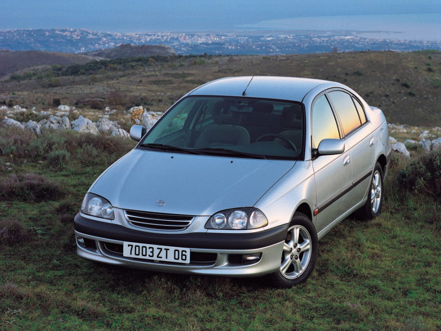 Toyota Avensis седан, 1997–2000, 1 поколение - отзывы, фото и характеристики на Car.ru