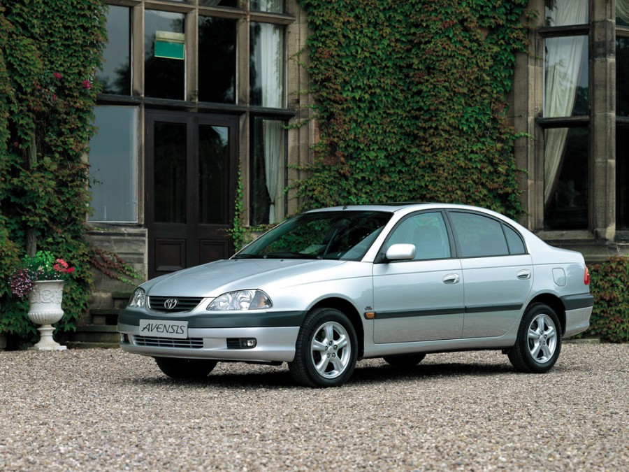 Toyota Avensis седан, 2000–2003, 1 поколение [рестайлинг] - отзывы, фото и характеристики на Car.ru