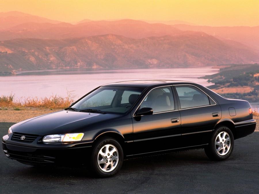 Toyota Camry седан 4-дв., 1997–2000, XV20 - отзывы, фото и характеристики на Car.ru