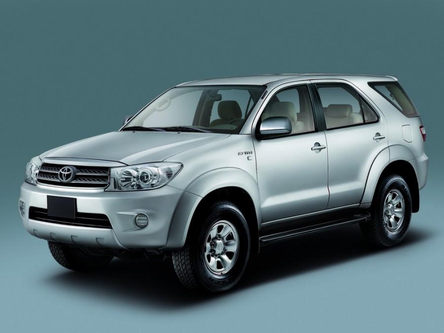 Toyota Fortuner внедорожник, 2008–2011, 1 поколение [рестайлинг] - отзывы, фото и характеристики на Car.ru
