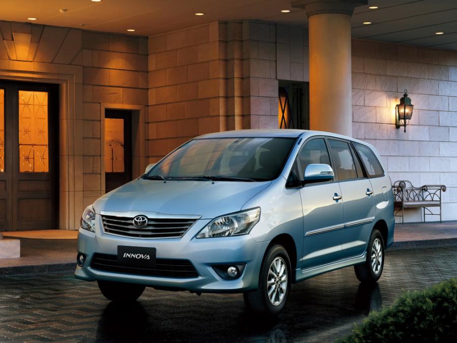 Toyota Innova минивэн, 2012–2016, 1 поколение [2-й рестайлинг] - отзывы, фото и характеристики на Car.ru