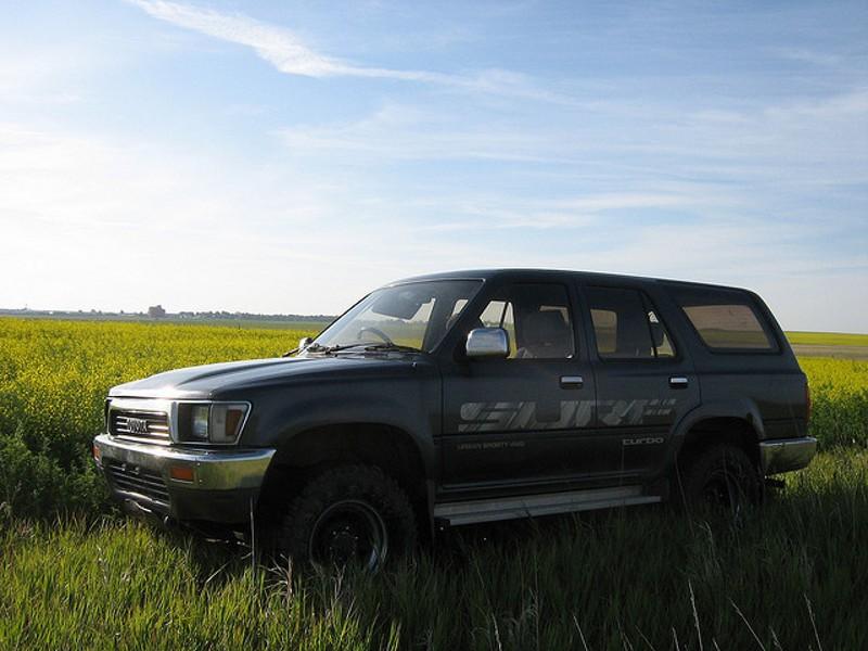 Toyota Hilux Surf внедорожник 5-дв., 1989–1992, 2 поколение - отзывы, фото и характеристики на Car.ru