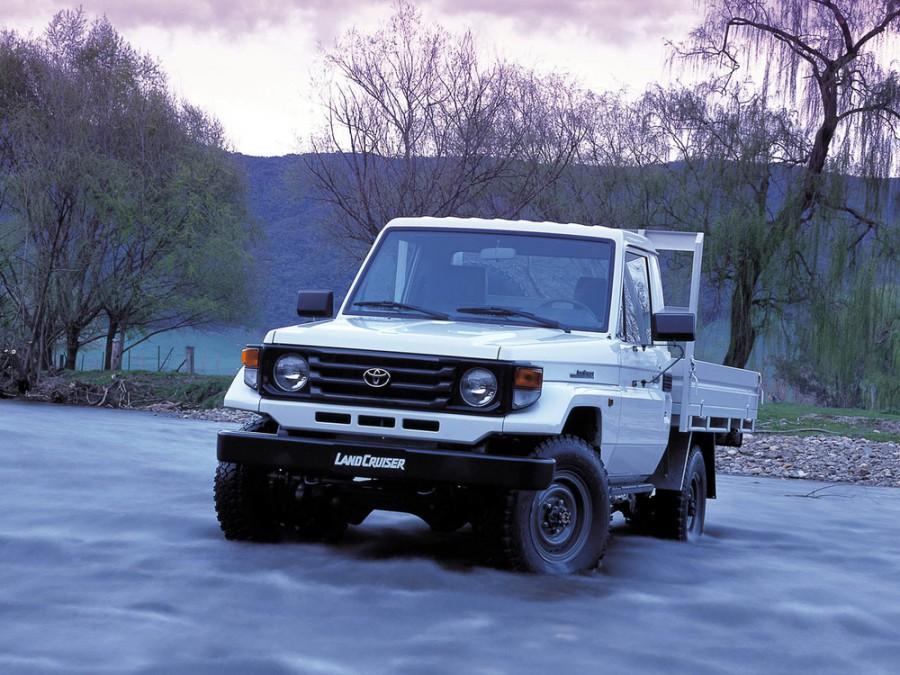 Toyota Land Cruiser J79 шасси, 1999–2007, J70 [2-й рестайлинг] - отзывы, фото и характеристики на Car.ru