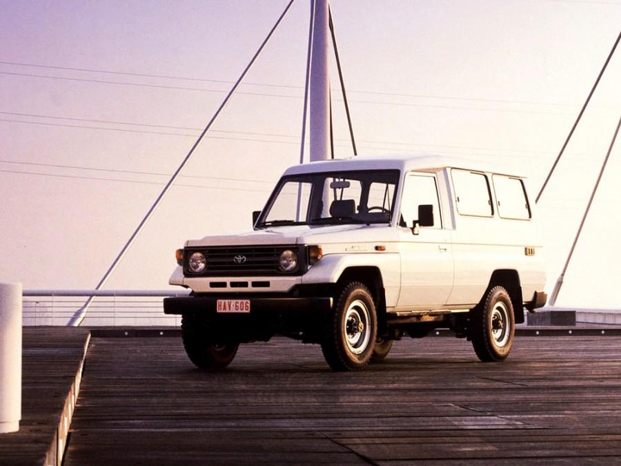 Toyota Land Cruiser J78 внедорожник 3-дв., 1990–1999, J70 [рестайлинг] - отзывы, фото и характеристики на Car.ru