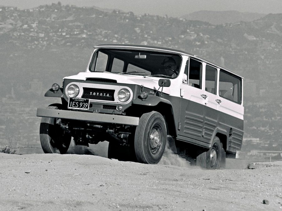 Toyota Land Cruiser FJ45V внедорожник 5-дв., 1960–1984, J40/J50 - отзывы, фото и характеристики на Car.ru
