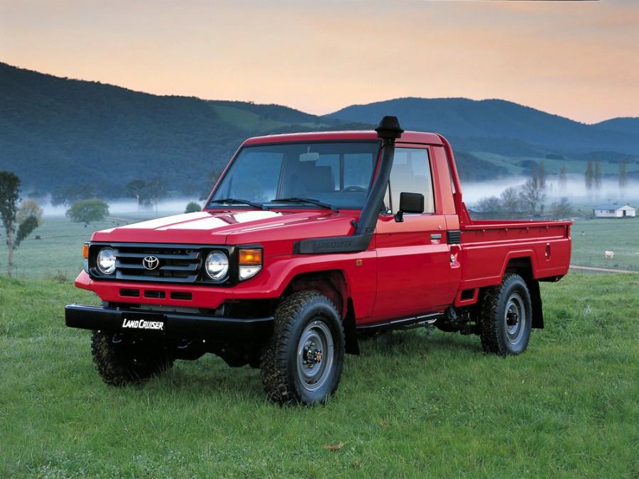 Toyota Land Cruiser J79 пикап 2-дв., 1999–2007, J70 [2-й рестайлинг] - отзывы, фото и характеристики на Car.ru