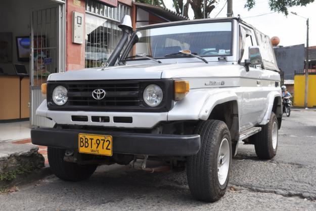 Toyota Land Cruiser PZJ70 кабриолет, 1990–1999, J70 [рестайлинг] - отзывы, фото и характеристики на Car.ru