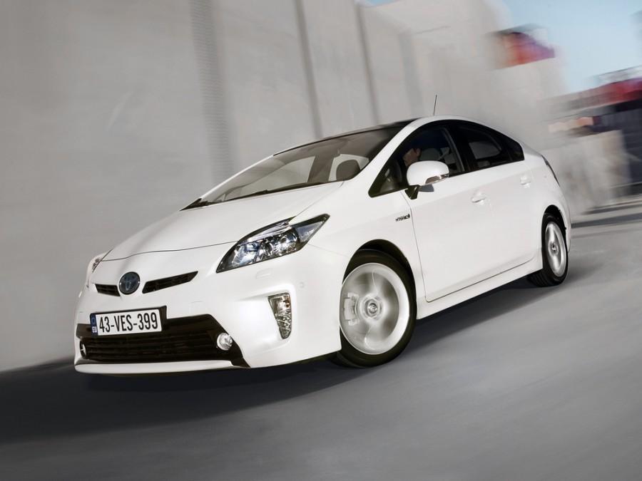 Toyota Prius хетчбэк, 2011–2015, 3 поколение [рестайлинг] - отзывы, фото и характеристики на Car.ru