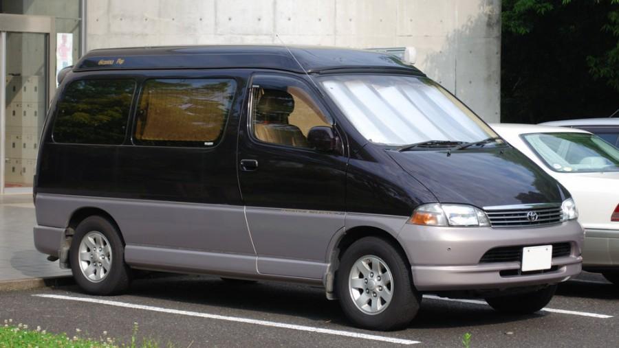 Toyota Regius минивэн, 1998–2004, 1 поколение - отзывы, фото и характеристики на Car.ru