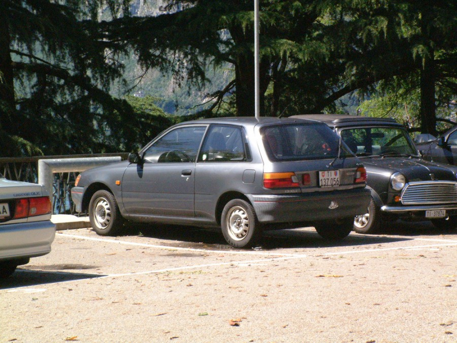 Toyota Starlet хетчбэк 3-дв., 1989–1996, 80 series - отзывы, фото и характеристики на Car.ru