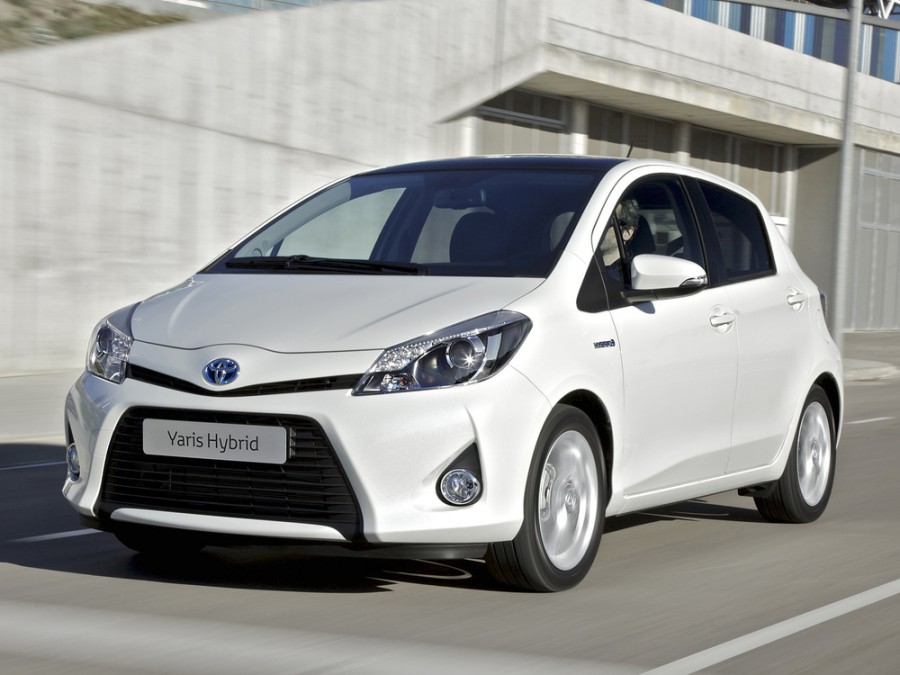 Toyota Yaris Hybrid хетчбэк 5-дв., 2011–2016, U - отзывы, фото и характеристики на Car.ru