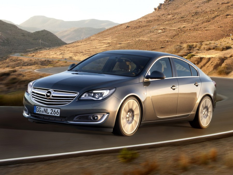 Opel Insignia лифтбэк, 2013–2016, 1 поколение [рестайлинг] - отзывы, фото и характеристики на Car.ru