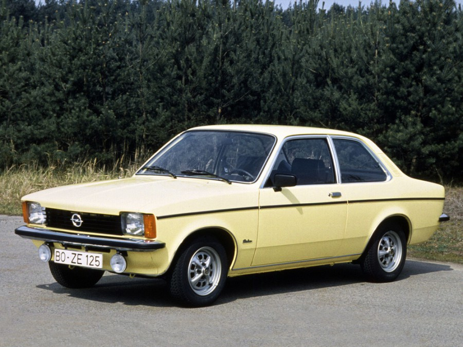 Opel Kadett седан, C [рестайлинг] - отзывы, фото и характеристики на Car.ru