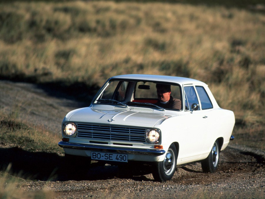 Opel Kadett седан, B - отзывы, фото и характеристики на Car.ru