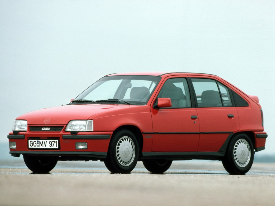 Opel Kadett GSi хетчбэк 5-дв., E [рестайлинг] - отзывы, фото и характеристики на Car.ru