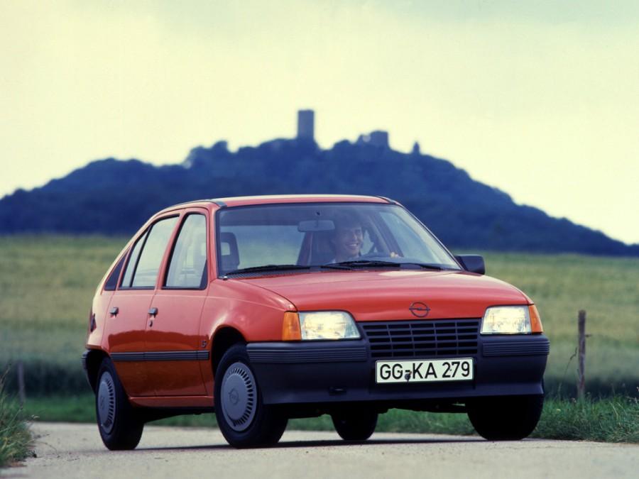 Opel Kadett хетчбэк 5-дв., 1983–1991, E - отзывы, фото и характеристики на Car.ru