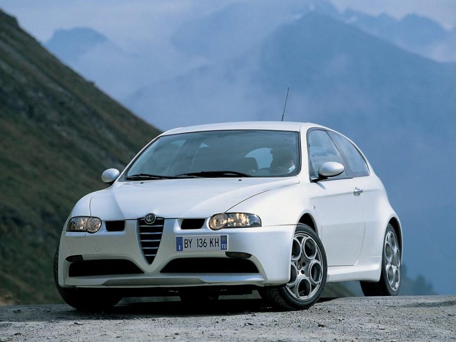 AlfaRomeo 147 GTA хетчбэк 3-дв., 2000–2004, 1 поколение - отзывы, фото и характеристики на Car.ru