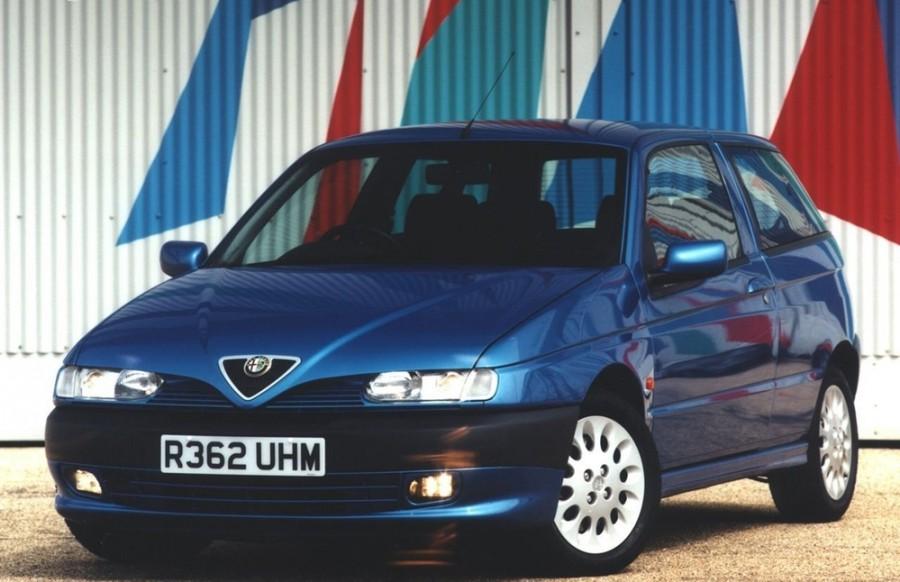 AlfaRomeo 145 хетчбэк, 1999–2001, 930 [рестайлинг] - отзывы, фото и характеристики на Car.ru
