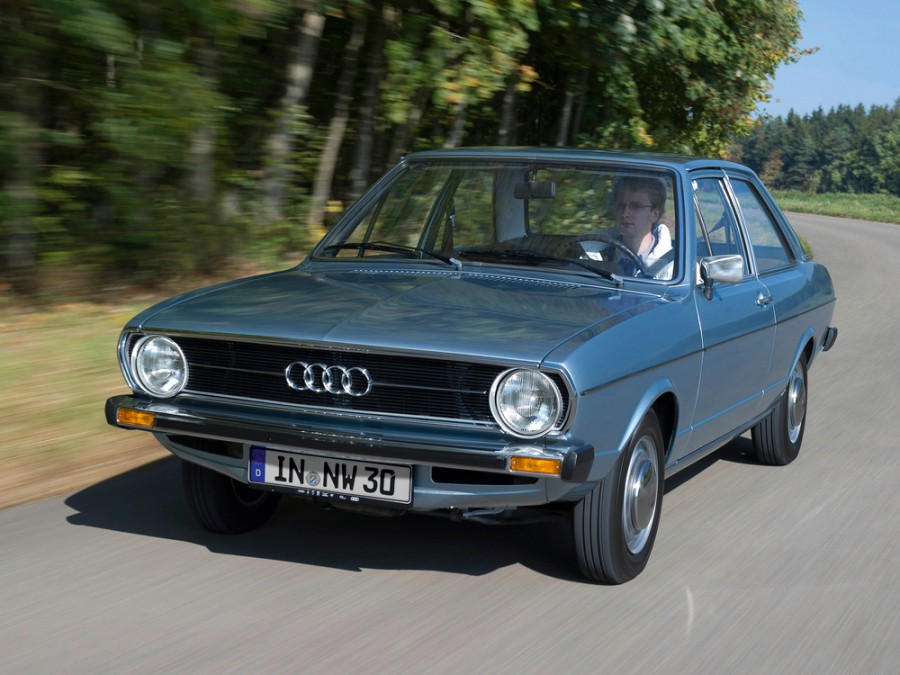 Audi 80 седан 2-дв., B1 - отзывы, фото и характеристики на Car.ru