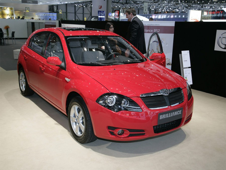 Brilliance BS2 хетчбэк, 2007–2016, 1 поколение - отзывы, фото и характеристики на Car.ru