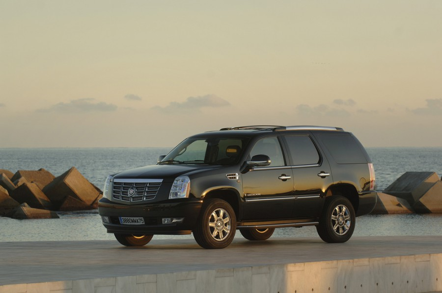 Cadillac Escalade внедорожник, 2007–2014, 3 поколение - отзывы, фото и характеристики на Car.ru