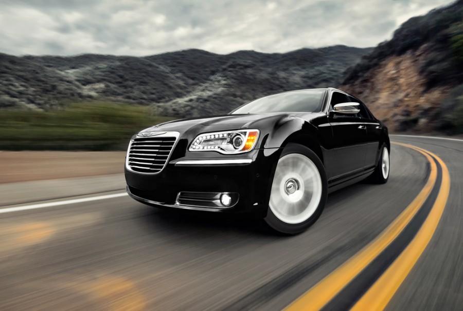 Chrysler 300C седан 4-дв., 2011–2014, 2 поколение - отзывы, фото и характеристики на Car.ru