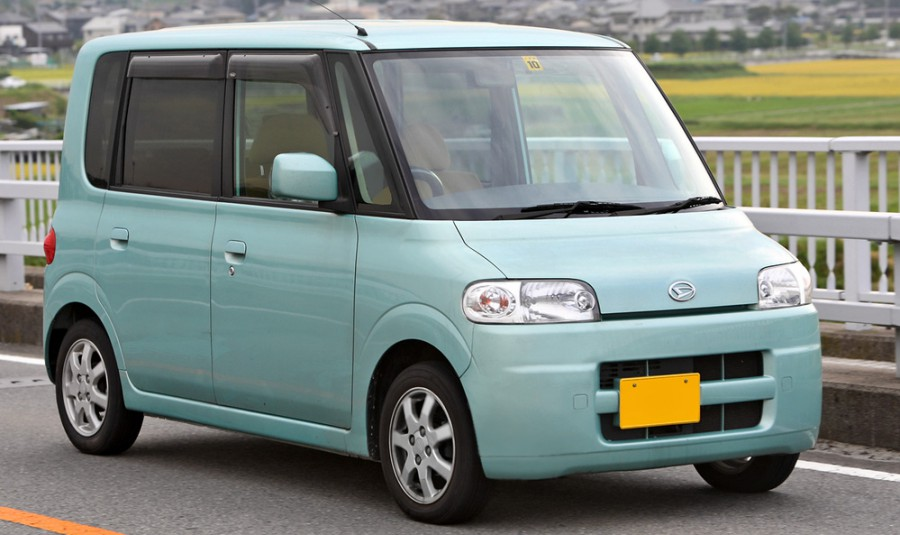 Daihatsu Tanto хетчбэк 5-дв., 2003–2007, 1 поколение - отзывы, фото и характеристики на Car.ru