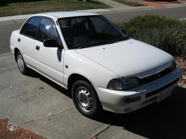 Daihatsu Charade седан, 1993–1996, 4 поколение - отзывы, фото и характеристики на Car.ru