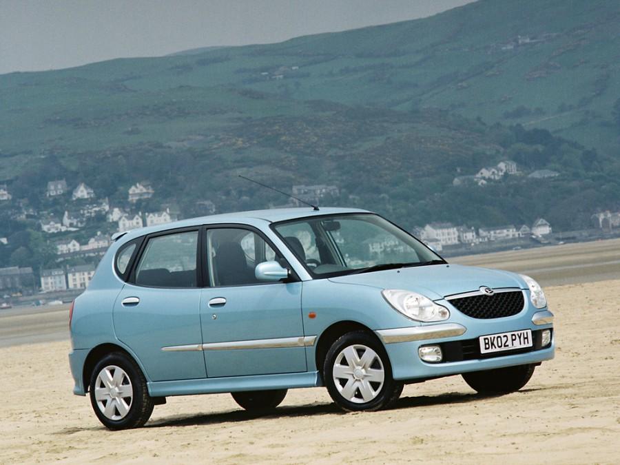 Daihatsu Storia хетчбэк, 2000–2004, 1 поколение [рестайлинг] - отзывы, фото и характеристики на Car.ru
