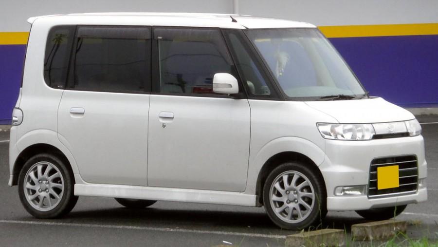 Daihatsu Tanto Custom хетчбэк, 2003–2007, 1 поколение - отзывы, фото и характеристики на Car.ru